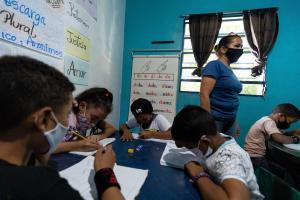 Advierten que regreso a clases presenciales puede llevar al cierre de planteles educativos