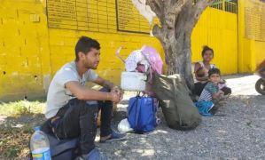 """Me dieron 30 mil pesos"": Mujer sacrificó su cabello para poder retornar junto a su familia a Venezuela"