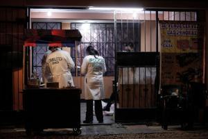 Sicarios asesinaron a venezolano en Perú mientras cenaba en un local