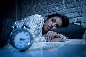 El insomnio puede matarte: Médico advierte sobre los riesgos de ese trastorno