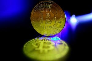 El bitcóin bate su récord en cinco meses y supera los 60 mil dólares